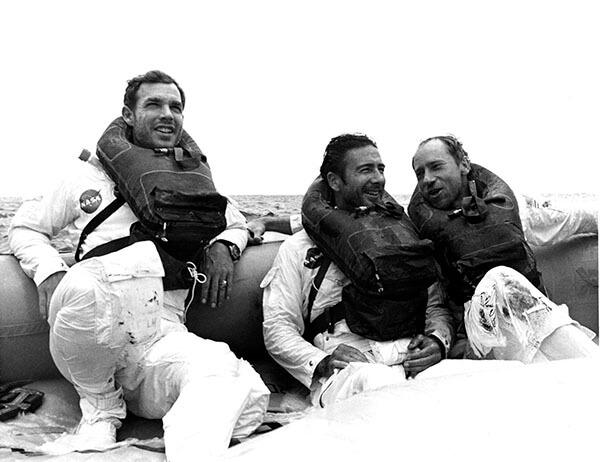 Apollo 15 crew spashdown