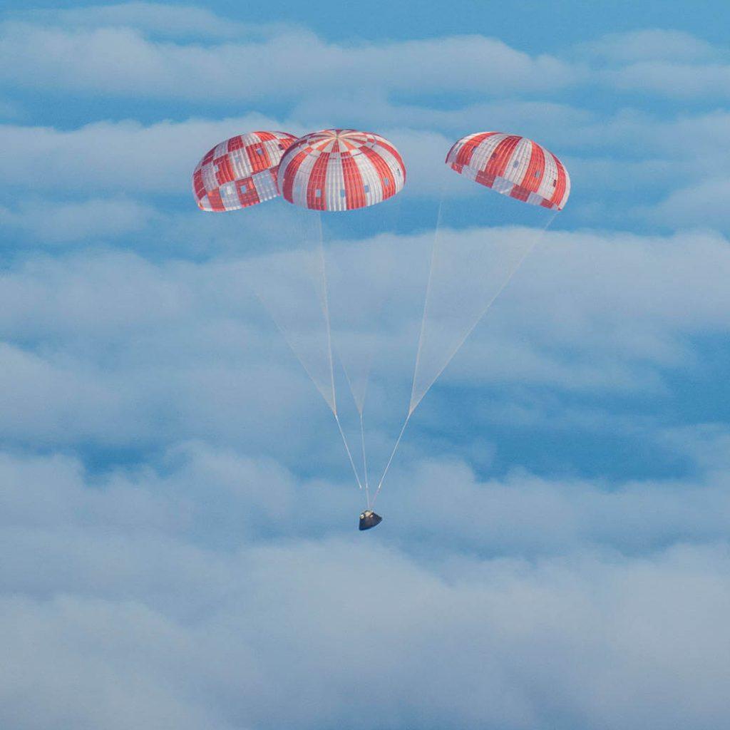 Orion capsule parachutes
